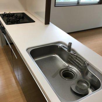 キッチンは3口タイプ!何と言っても広い!