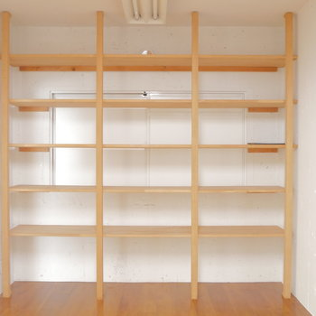 お部屋①の収納棚。