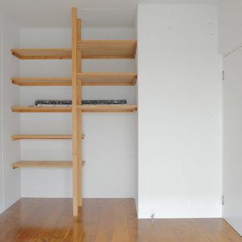 ここにもちゃんとオープンな収納棚!