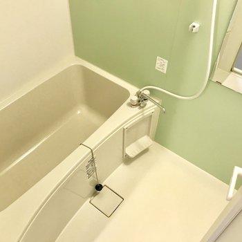 お風呂。追い焚き・浴室乾燥完備ですよ〜!