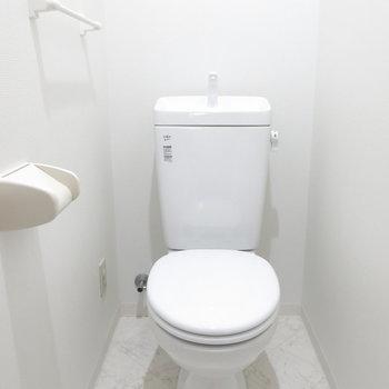 ウォシュレットはありませんが清潔感のあるトイレ!
