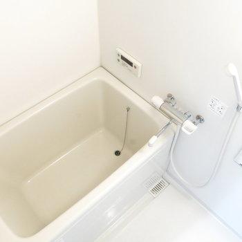 お風呂もきれいで使いやすそう〜