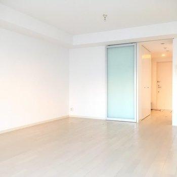お二人暮らしも余裕の広さ ※5階同間取りの別部屋の写真です