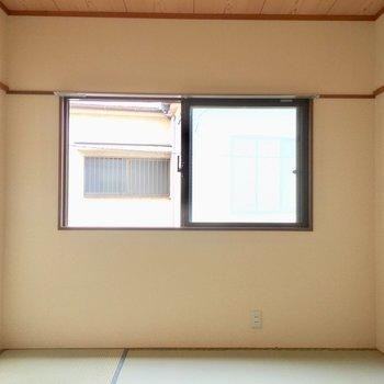 和室の畳の匂いがたまらないです。