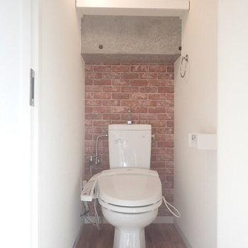 トイレは西海岸風でお洒落です。