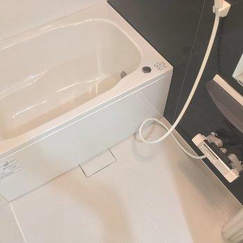 バスルームもゆったりしてますよ〜ん!追焚きも浴室乾燥も付いてますっ