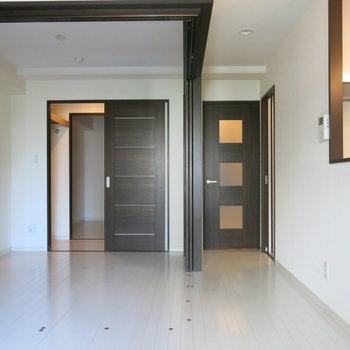 お天気の良い日はドア全開で空気の入れ替えもできますね!