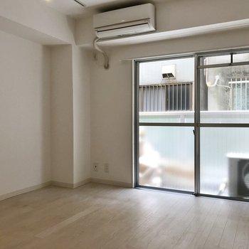 明るくて柔らかい雰囲気の室内!※写真は前回募集時のもの。