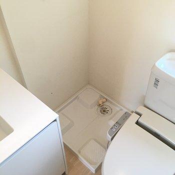 詰まったところに洗濯機置場ですね。