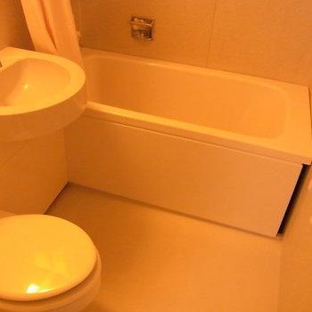 バスルームは3点ユニット!※3階の同間取り別部屋の写真です