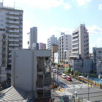 都会って感じがしますね。この眺め。