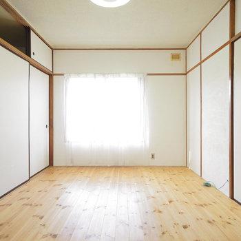 こちらは6帖の寝室!
