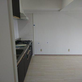 キッチンも新しくなりますよ!位置かわらずです!※写真は工事前