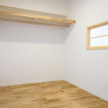 大きなWICもあるんです※写真は同階、同間取りの別部屋になります