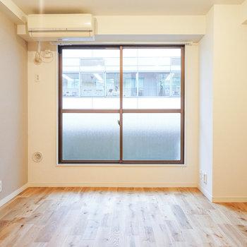 【イメージ】寝室にも窓がありますよ