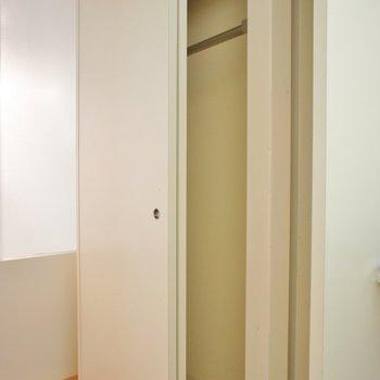 玄関部分にあります。※写真は前回撮影時のもの
