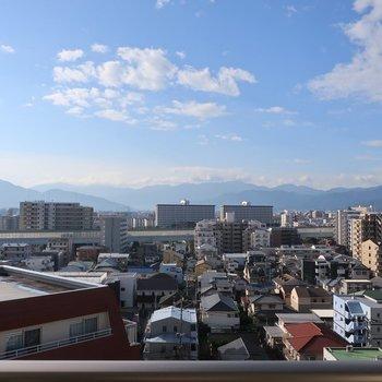 眺望はとっても気持ちがいい〜!※写真は9階の同間取り別部屋の清掃前ものです