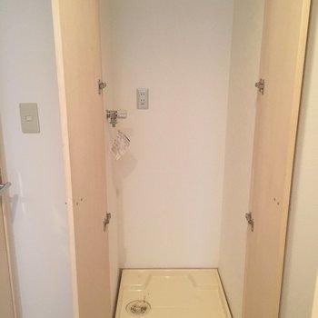 洗濯機置場は扉で隠せます!※写真は前回募集時のものです