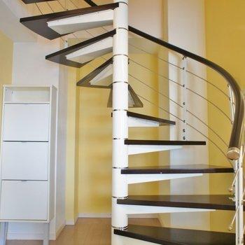 この螺旋階段をあがると※写真は前回募集時のもの。