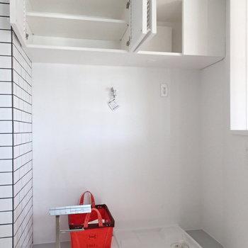 洗濯機も思い切ってかっこいいやつ買いましょ! ※4階の似た間取り別部屋の写真です
