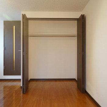 収納は2階にあります。奥行きがありますね。