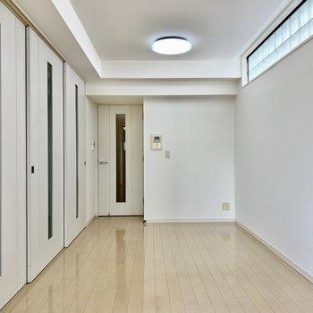 上部の磨りガラスで、お部屋の透明感もUPしますね。※写真は前回募集時のものです