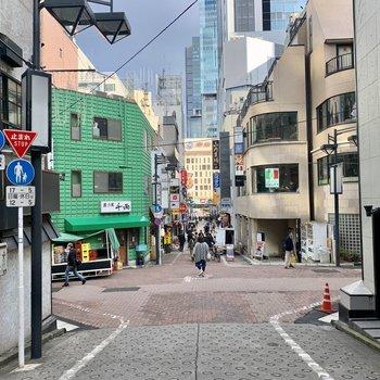 渋谷駅までは坂道を下ります。