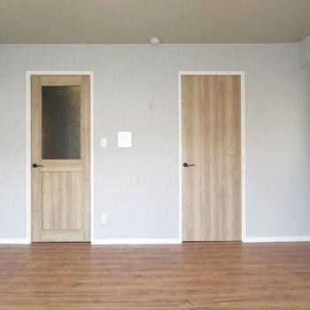可愛い扉が二つですね♪
