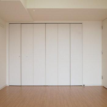 シンプルで使いやすいデザイン。 ※4階同間取り別部屋の写真です