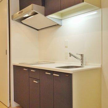開けると、キッチンので出まし。※写真は、同じタイプの713号室。