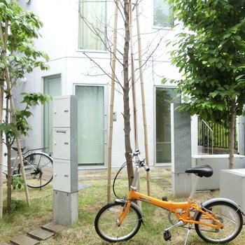 置かれたスタイリッシュな自転車※写真は前回募集時のものです