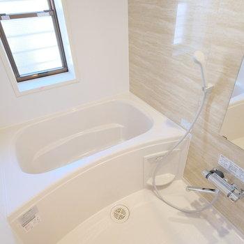 お風呂はとっても綺麗!新設してます!