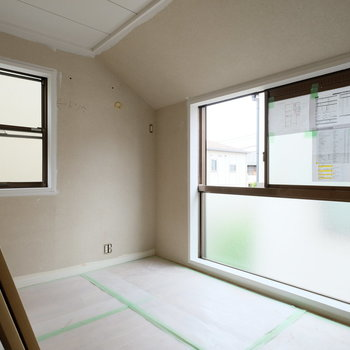 【工事中】元々和室だったお部屋も洋室に!屋根の傾きがいい感じ!