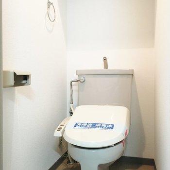 トイレ個室はうれしい※写真は1階別部屋同間取りのものです