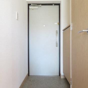 玄関は標準サイズ