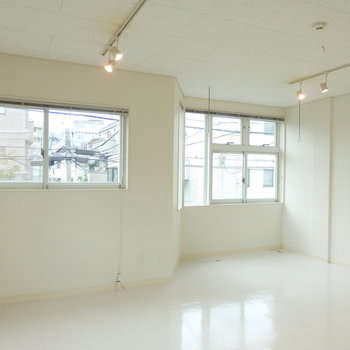 ライティングレールも◎*写真は同間取りの2階のお部屋です。