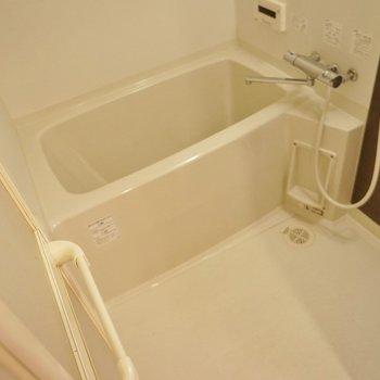 バスルームもこの綺麗さ。