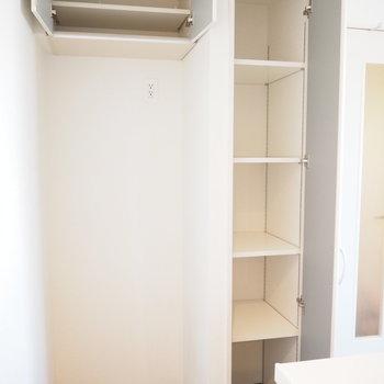 横は冷蔵庫置場と収納!!備蓄もしっかりできそうです※写真は前回募集時のものです