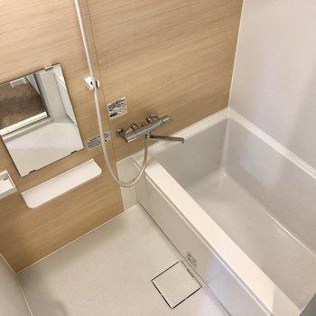 ゆったりできそうなお風呂場。