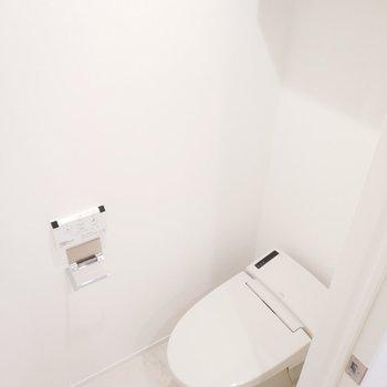 タンクレスのトイレはスタイリッシュです。