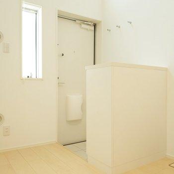 玄関もお部屋に合わせたデザインで素敵◎