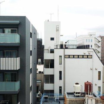 眺望はマンションがずらりと。