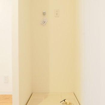 お部屋の中に、洗濯機置き場。※写真は前回募集時のものです