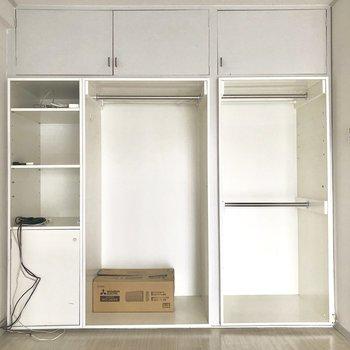 この棚を使って荷物をうまく収納したい!!※写真は電気がつく前のものです。※家具付きです。ご希望であれば撤去も可能です。