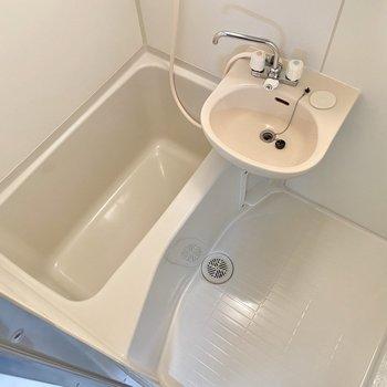 その分洗い場もゆったり確保されています。