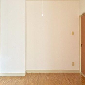 お部屋の内装はシンプルで使いやすそう〜※クリーニング・電気が付く前