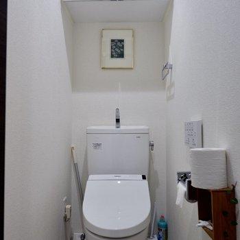 トイレに棚が!