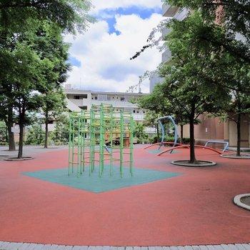公園も敷地内に入ってます。