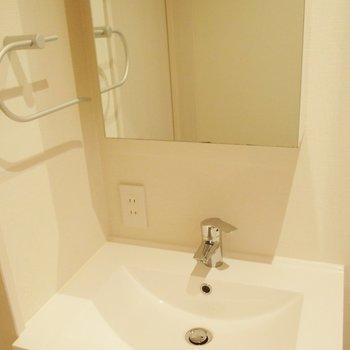 洗面台。大きさしっかりあります。 ※写真は前回募集時のものです。