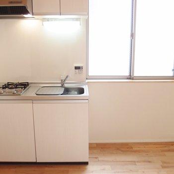 キッチン。コンパクトながら機能性◎ ※写真は前回募集時のものです。